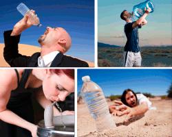 apensar bebiendo agua