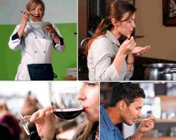 apensar tomando vino