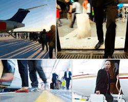 Apensar personas subiendo a un avión